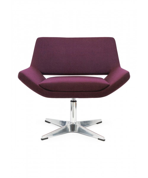 Saito lounge Chair 01